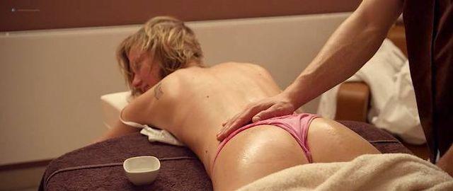 Superstar Sarah Cooper Nude Scenes