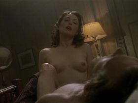 Julianne Moore nude - The End of the Affair (1999)