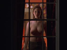 Thora Birch nude - American Beauty (1999)