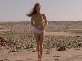 Vanessa Paradis nude - Elisa (1995)