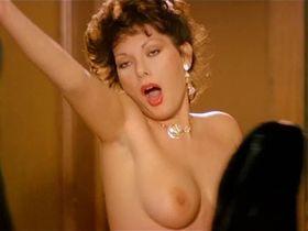 Edwige Fenech nude, Barbara Bouchet sexy - La moglie in vacanza… l'amante in citta (1980)