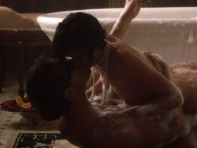 Linda Fiorentino nude - The Moderns (1988)