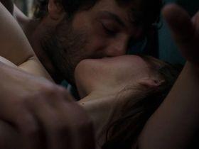 Maria Valverde nude - Ce qui nous lie (2017)