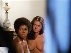 Patrizia Adiutori nude, Rosaria della Femmina nude, Barbara Marzano nude, Angela Covello nude - Torso (1973)
