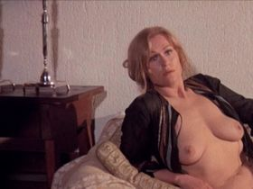 Anne Libert nude, Britt Nichols nude, Beatriz Savon nude - La maldicion de Frankenstein (1973)