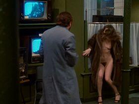 Dominique Sanda nude - Une chambre en ville (1982)