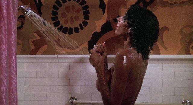 Acampar con esposa desnuda