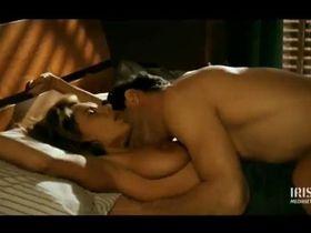 Debora Caprioglio nude - Storia d'amore con i crampi (1995)