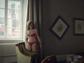 Sabine Vitua sexy - Pastewka s08e07 (2018)