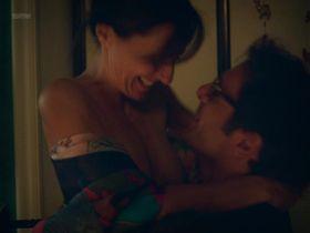 Valentina Carnelutti nude - Il Colore Nascosto Delle Cose (2017)