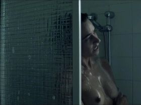 Libby Munro nude - Eight (2016)