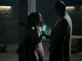 Clemence Bretecher nude - Le Serpent aux mille Coupures (2017)