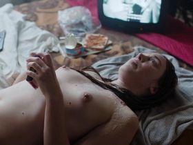 Laetitia Dosch nude, Leonie Simaga nude - Jeune Femme (2017)