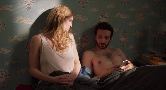 Margot Bancilhon nude, Camille Razat nude - Ami-Ami (2018)