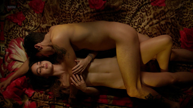 Michelle Badillo nude, Mishel Prada nude, Melissa Barrera nude - Vida s01e03 (2018)