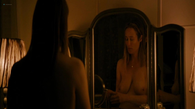 Jennifer Ehle nude, Reyna de Courcy nude, Heather Graham sexy - Wetlands (2017)