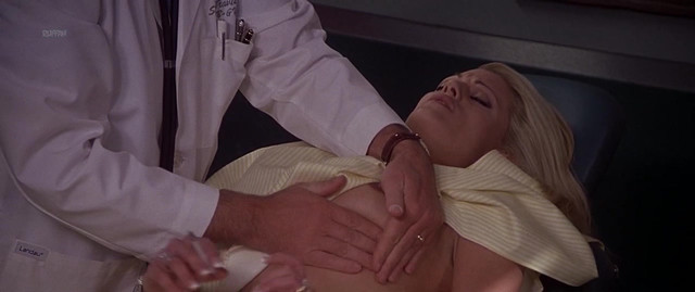 Holly Pelham nude - Dr. T and the Women (2000)