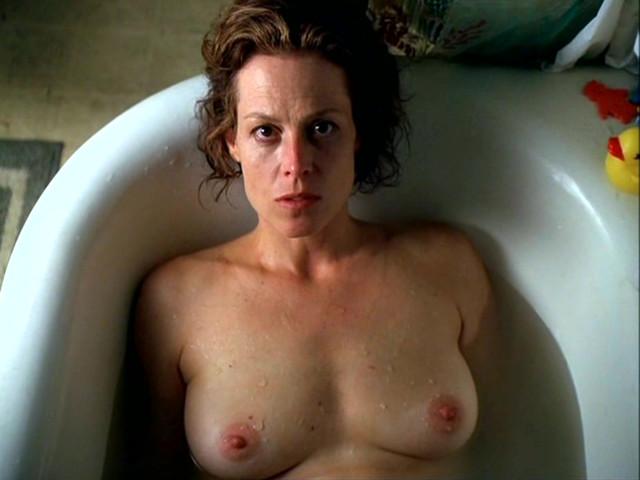 Sigourney weaver nude pics