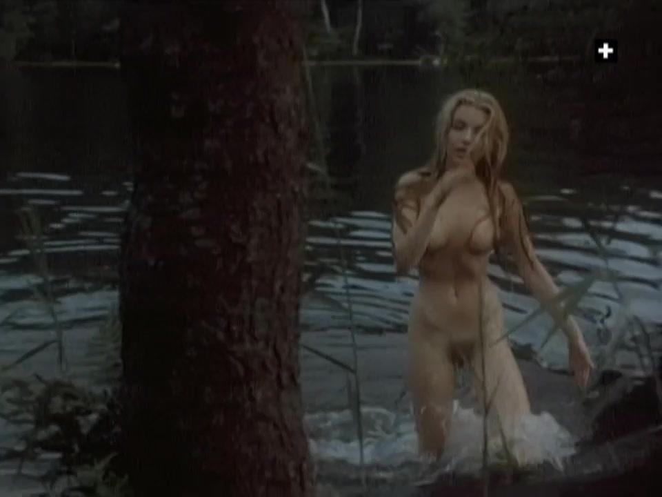 Eva Vejmelkova nude - Penelopy (1988)