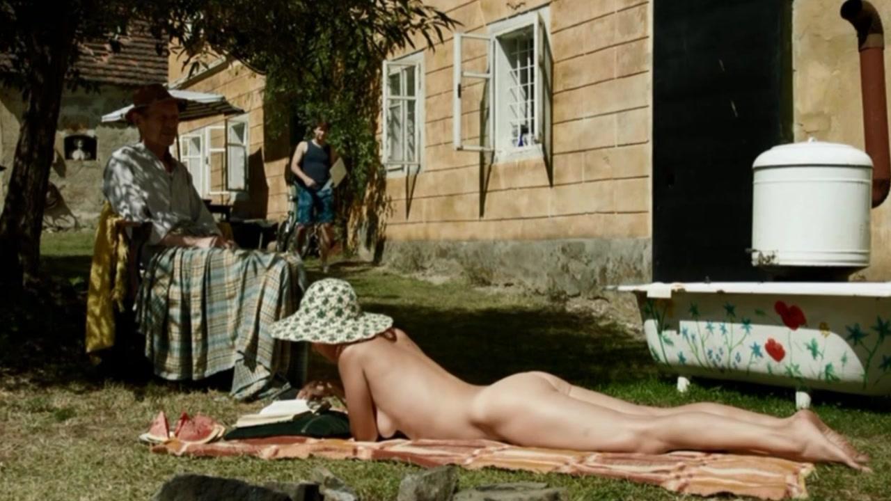 Petra Spalkova nude - Jako nikdy (2013)