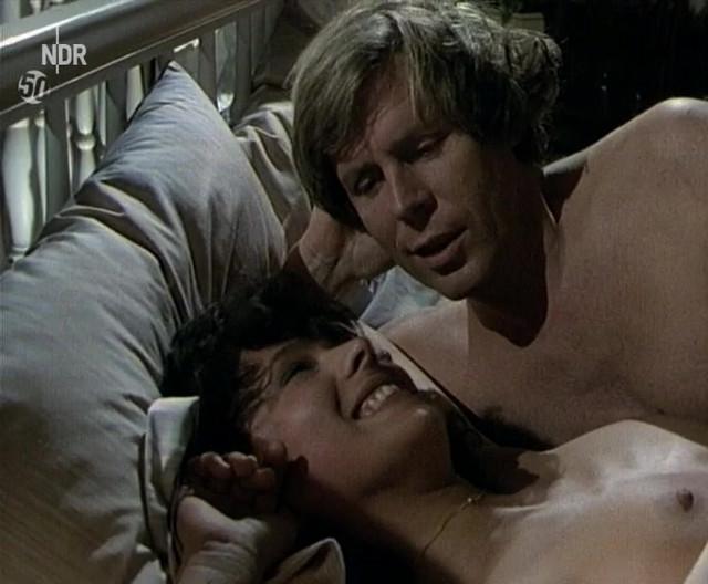 Barbara Fenner nude - Die Männer vom K3 - Familienfehde (1988)