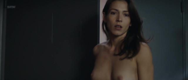 Malya Roman nude, Anne-Elisabeth Blateau nude - Nu s01e10 (2018)