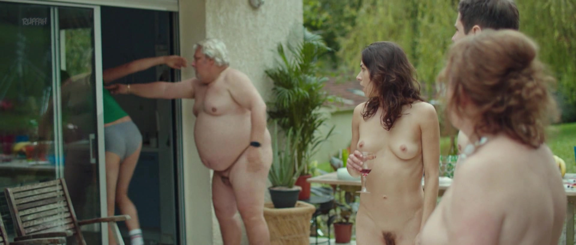 Nackt  Valerie Decobert MrSkin