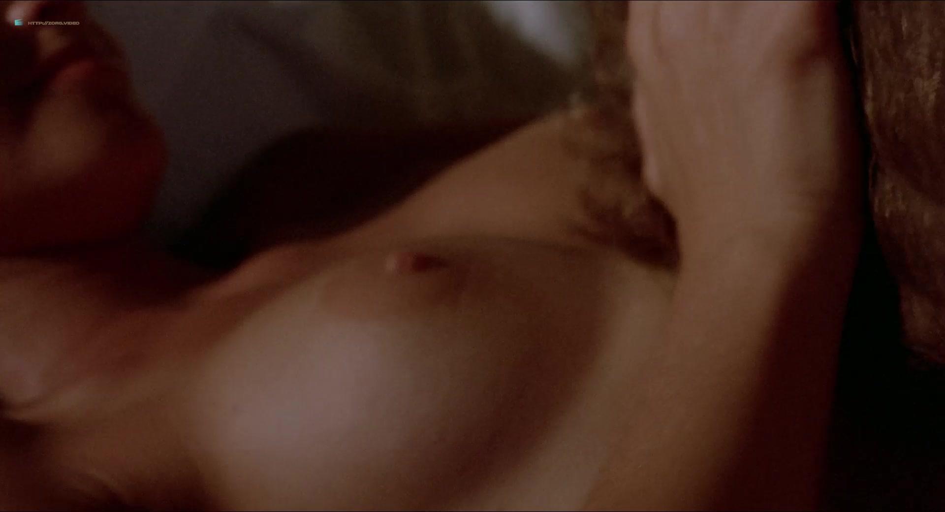 Gini Eastwood  nackt