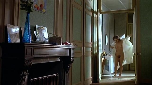 Valerie Stroh nude - Un homme et deux femmes (1991)