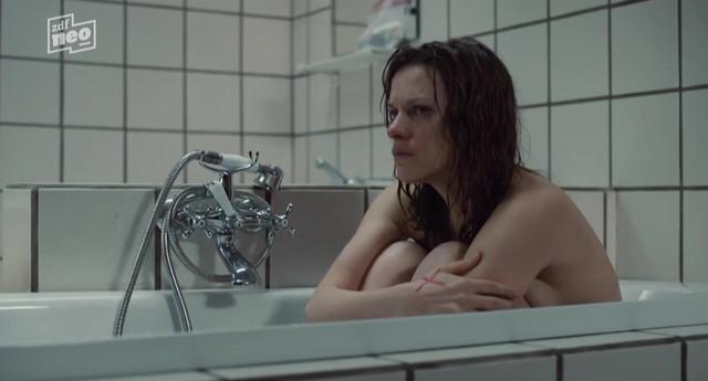 Veerle Baetens sexy - Tabula Rasa S01 (2017)