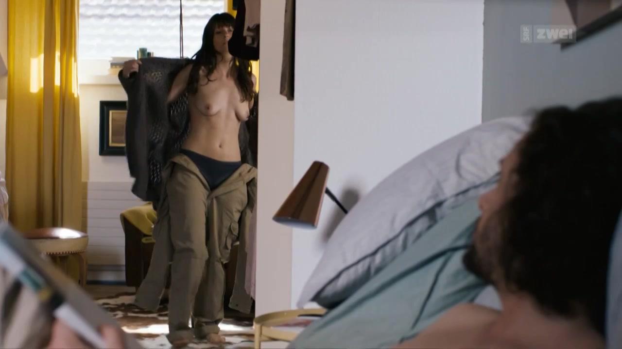 Vera Bommer nude - Seitentriebe S01E04 (2018)