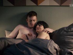 Vera Bommer nude - Seitentriebe S01E07 (2018)