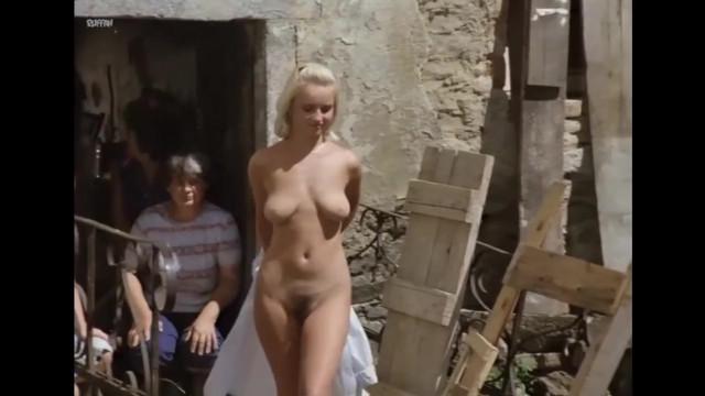 Veronika Kanska nude, Katerina Lojdova nude - Slunce seno erotika (1991)