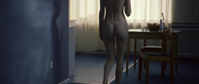 Vicky Krieps nude - Das Zimmermadchen Lynn (2014)