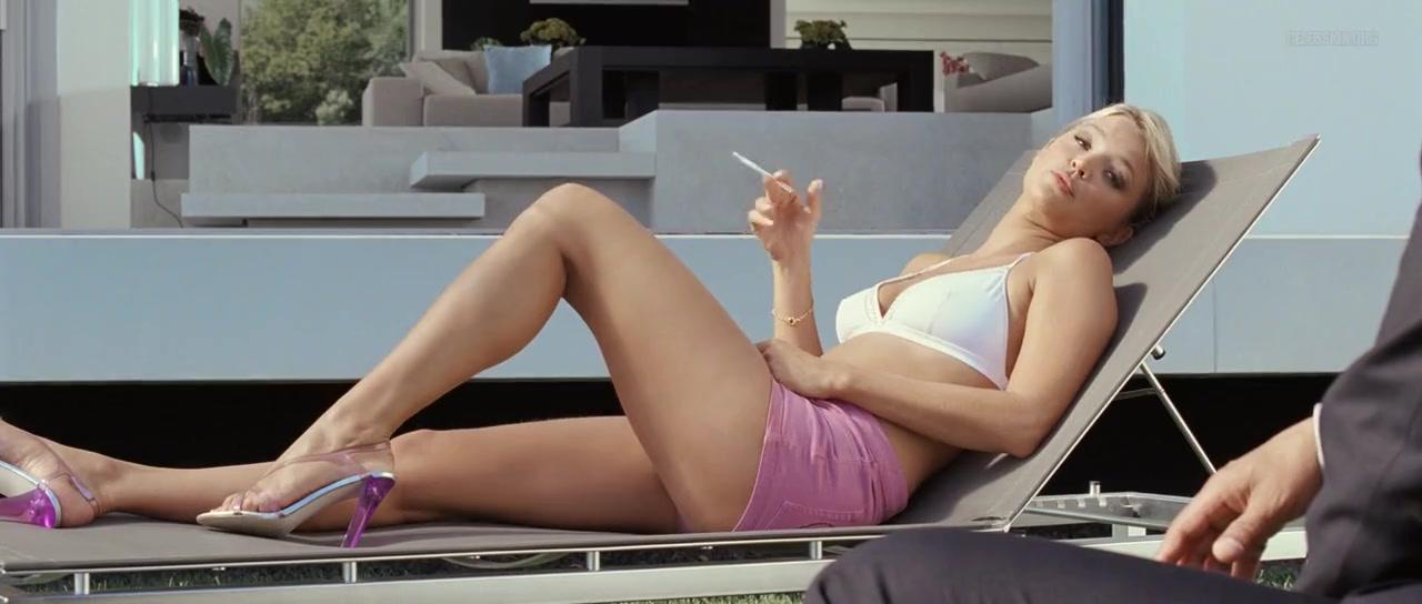Virginie Efira sexy - Le Siffleur (2009)