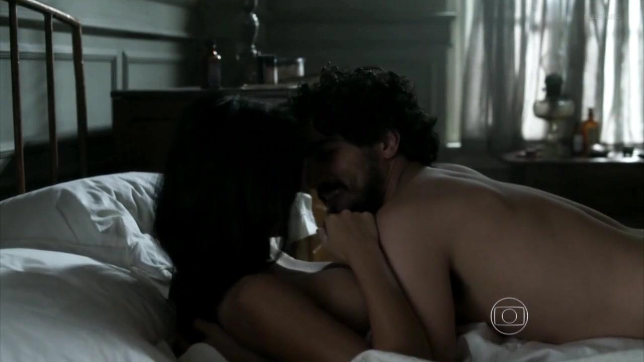 Yanna Lavigne nude - Ligações Perigosas S01E03 (2016)