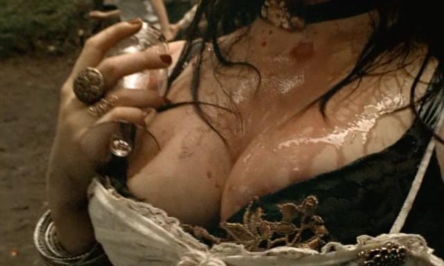 Simone Spoladore nude - Lavoura Arcaica (2001)