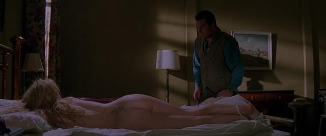 Sheryl Lee nude - Vampires (1998)