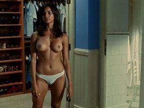 Anahi de Cardenas nude, Maricielo Effio nude - Dioses (2008)