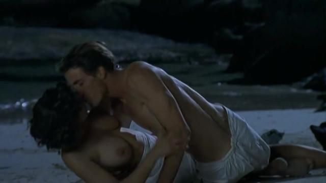 Camilla Renschke nude - Die Rosenzuchterin (2004)