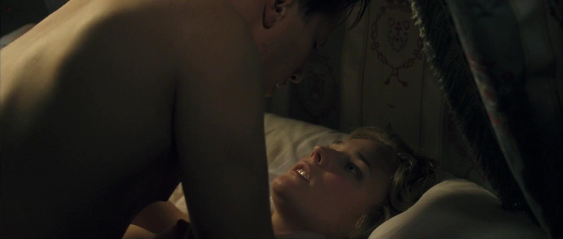 Diane Kruger nude - Joyeux Noel (2005)