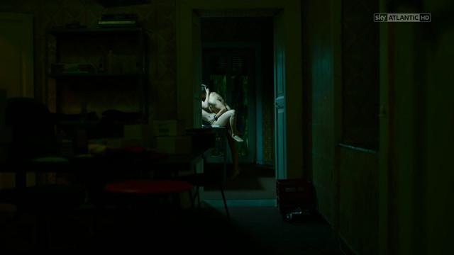 Gina Amarante nude - Gomorra S03E07 (2017)