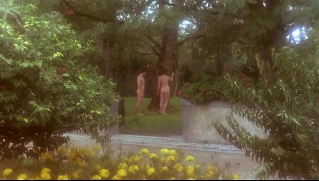 Leonor Silveira nude - A Divina Comedia (1991)