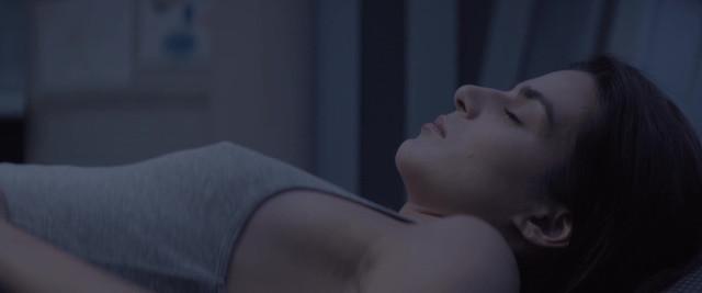 Clara Lago sexy - Orbita 9 (2017)