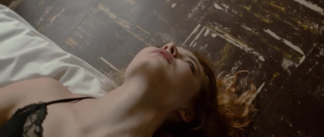 Claire Grasland sexy, Manoe Richardier sexy - Je suis une rencontre invisible (2016)
