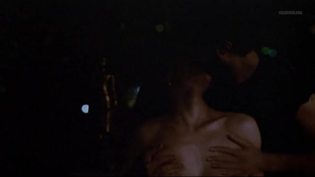 Carole Bouquet nude - Special police (1985)