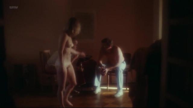 Marianne Anttila nude - Huhtikuu on Kuukausista Julmin (1983)