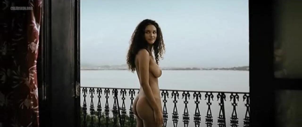 Debora Nascimento nude - Budapeste (2009)