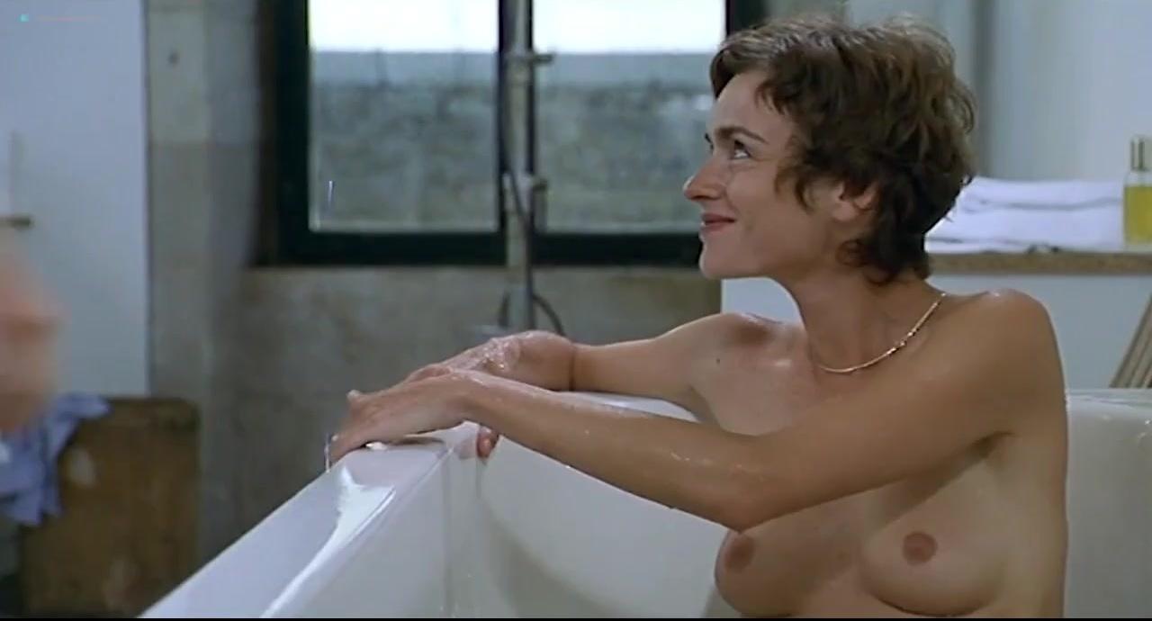 Alexia Stresi nude, Lou Doillon nude, Elise Perrier nude - Trop (peu) d'amour (1998)