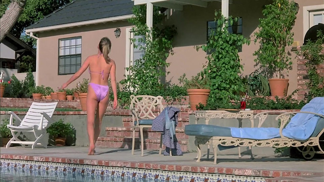Susanne Mierisch nude, Leilani Sarelle sexy - Neon Maniacs (1986)